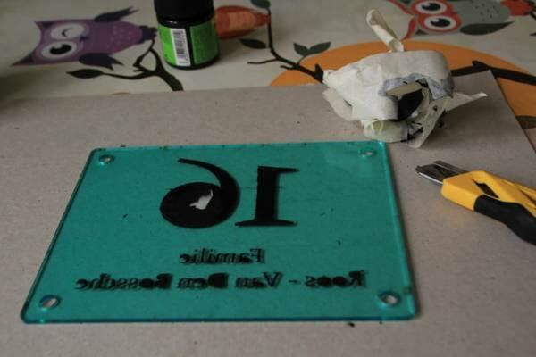 huisnummerbord acryl met verf
